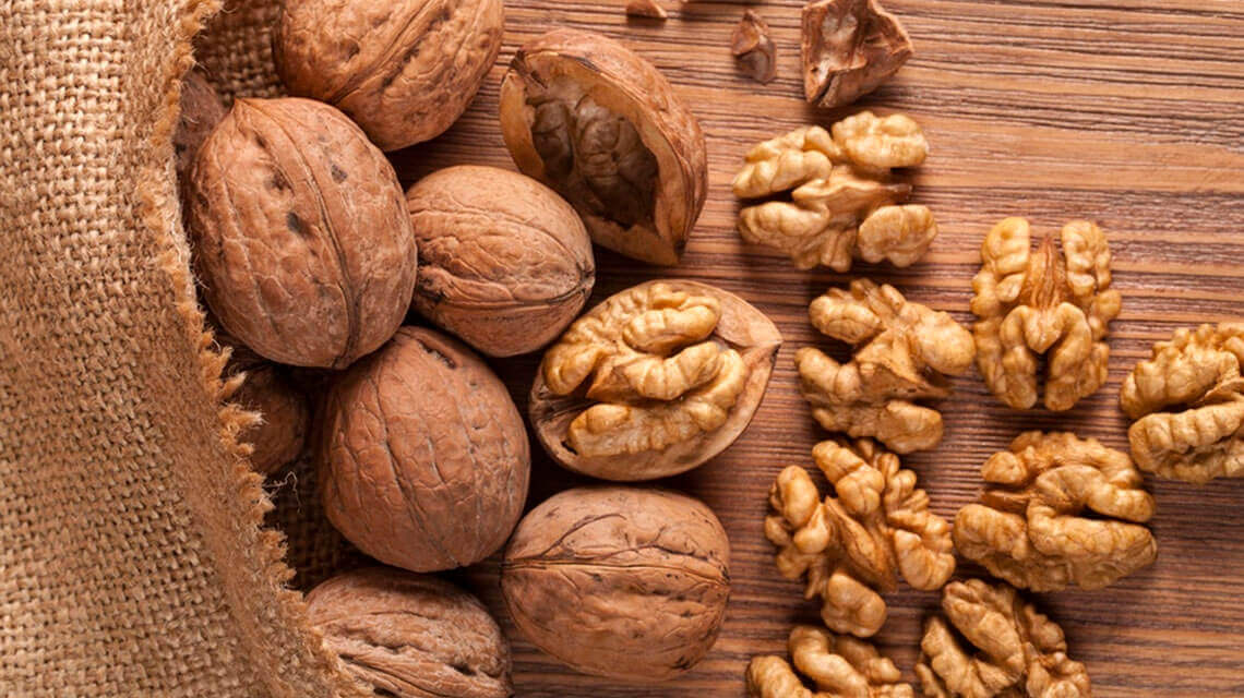 Handful of walnuts is a key to maintaining weight loss, research says